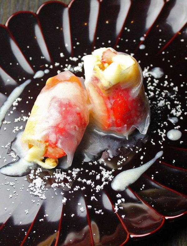あんぽ柿と苺のインボルティーニ 甘酒のクレマ ¥1,200