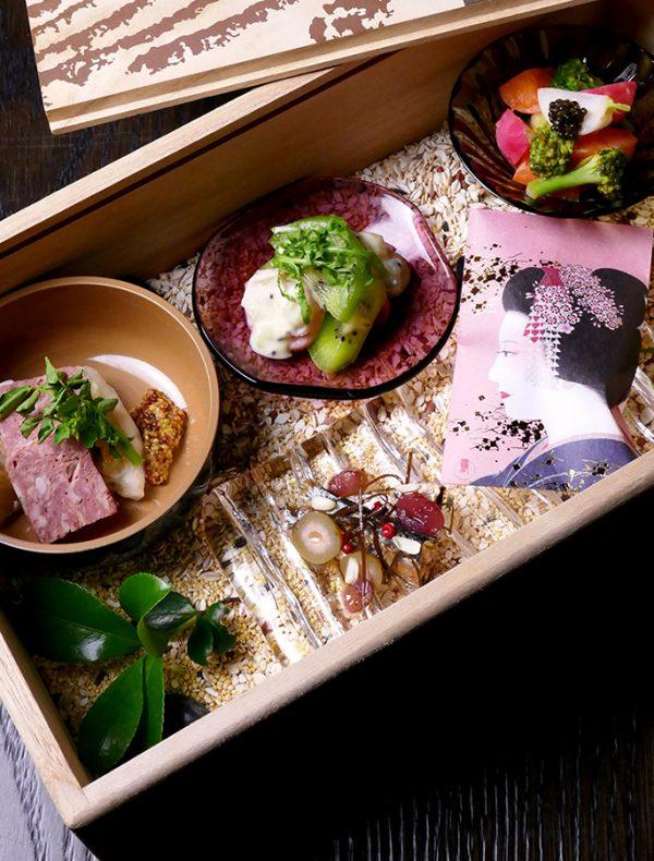 ワイナリー木箱に詰めた前菜盛り合わせ  ¥2,400