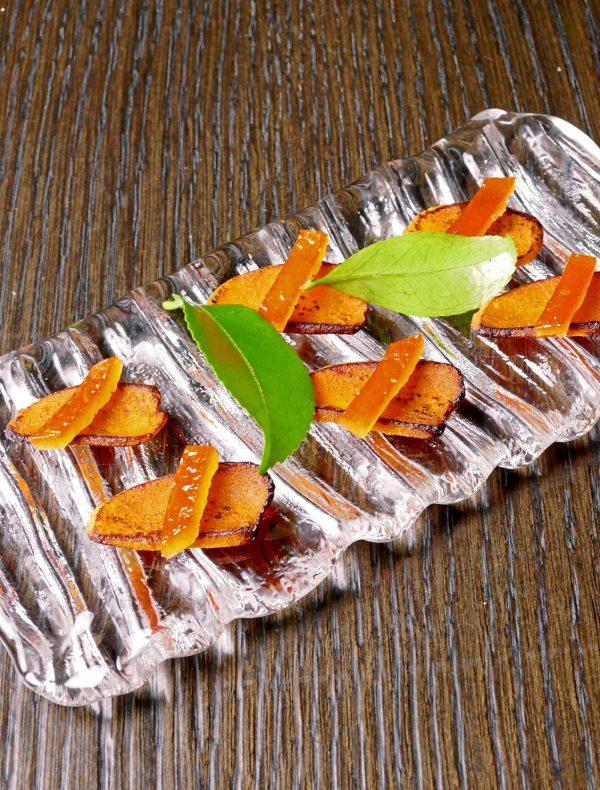 カラスミの炙りとオレンジピール ¥950