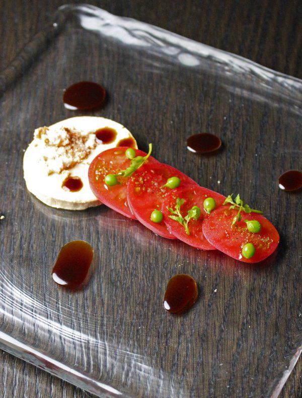 フォアグラのプリン 上賀茂トマトとマデラ酒のサラダ ¥2,200