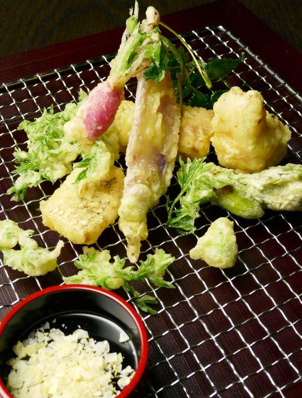 本日の鮮魚と旬野菜のフリット 自家製柑橘塩で・・・ ¥2,000