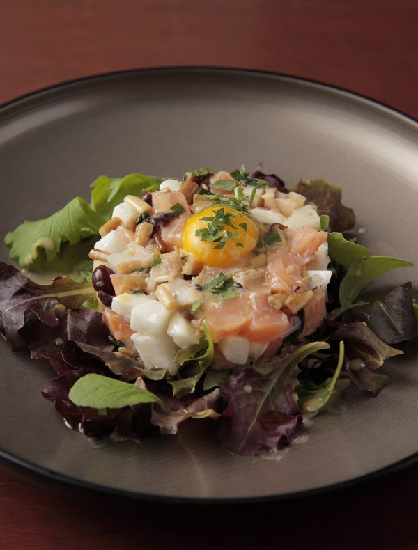 Homemade Smoked Salmon Tartar with Egg Yolk Vinegar ¥1,800
