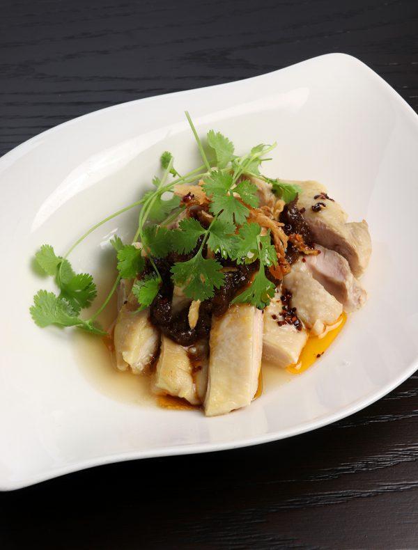 大山鶏蒸し鶏 黒酢の葱ダレ ¥1,800