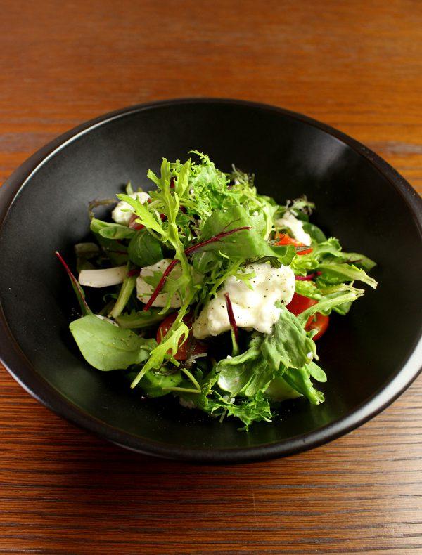モッツアレラチーズとこだわり野菜のメランジェサラダ ¥1,400