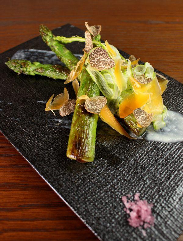 グリーンアスパラガスのソテー トリュフ風味 ¥1,800
