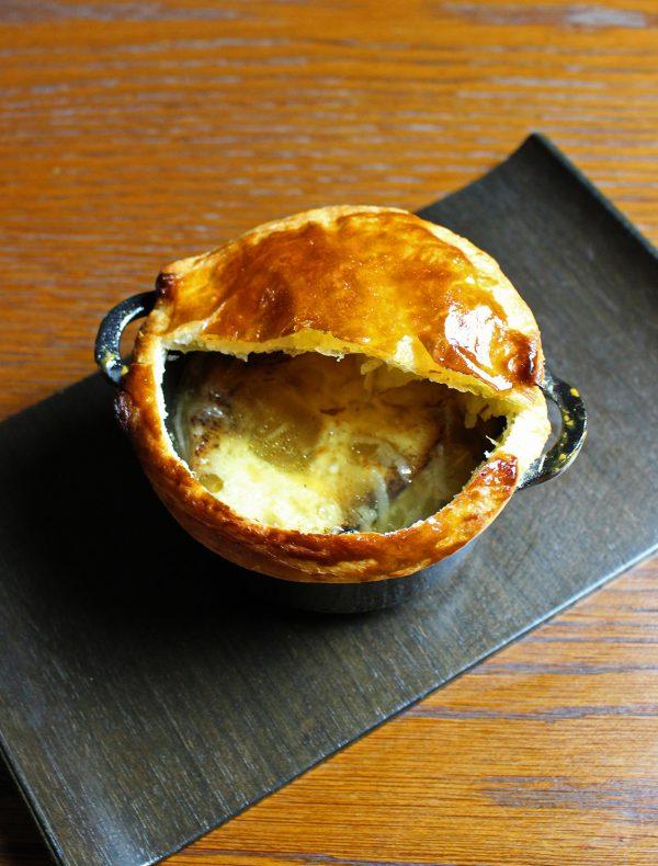 オニオングラタンスープ パイ包み焼き ¥1,400