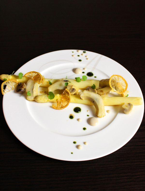 Boiled White asparagus and Artichoke marinated ¥2,500