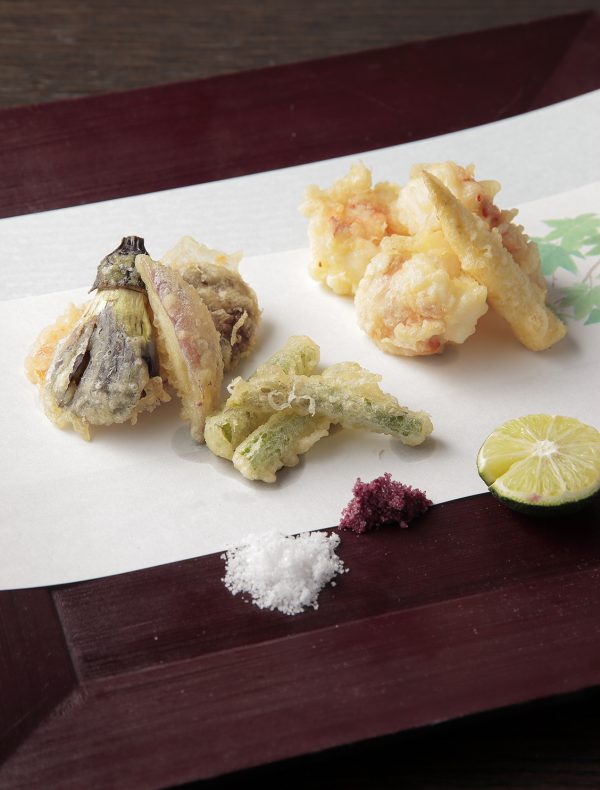 Tempura of Lobster and Seasonal Vegetables ¥2,750