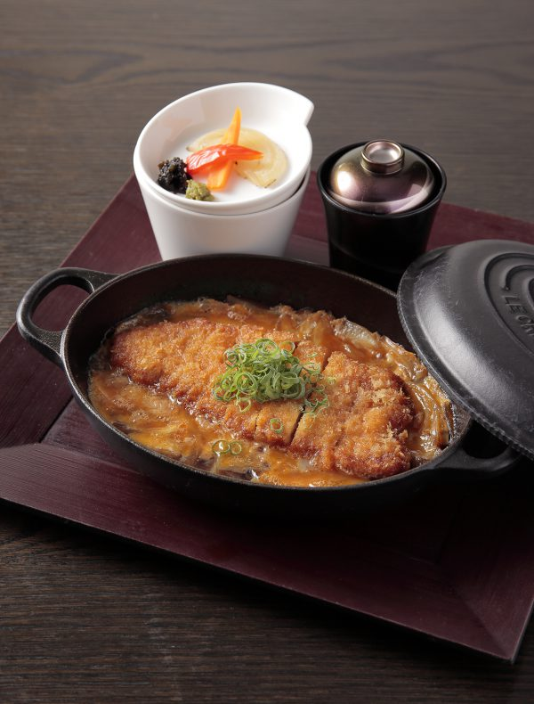 'Seseragi' Pork Cutlet  ( Served with Rice and Miso Soup ) ¥1,112(¥1,200 tax included)