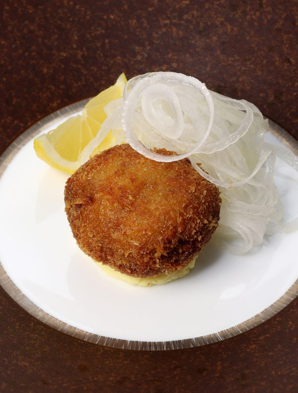 Ground Wagyu Cutlet with Sliced Seasonal Onions.