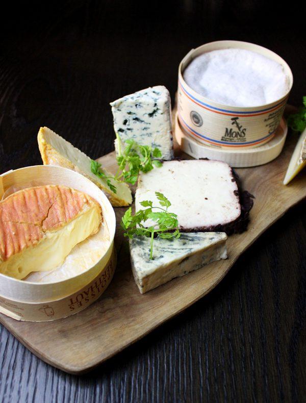 フロマージュ・ド・ミテス厳選 チーズ1種 ¥900