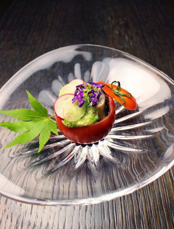 和歌山県産初鰹の藁焼き オクラと胡瓜のスキューマ ¥1,300