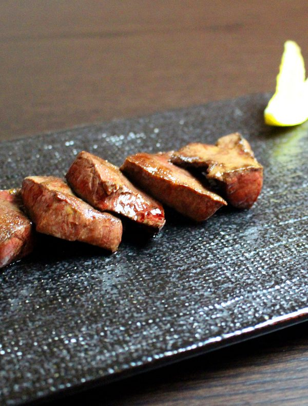 和牛ハツの炙り お好みのコンディメントで ¥3,100