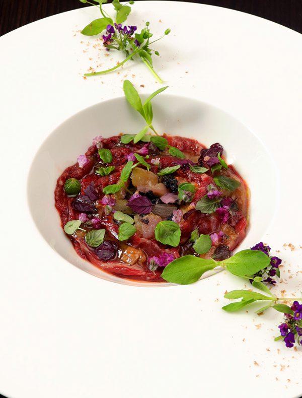 桜肉のカルパッチョ アイコトマトのガスパチョと梅肉ヴィネグレット ¥1,800