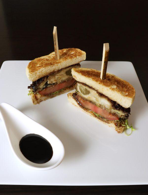 岩牡蠣「夏輝」のサンドイッチ ¥2,000